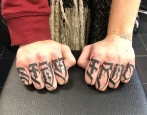 Mow Glyph Tatwo - Tatouage Lettrage